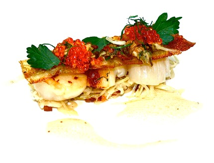 -Pan-fried winter scallops sandwich, served with choucroute, crispy potato, mustard sauce.