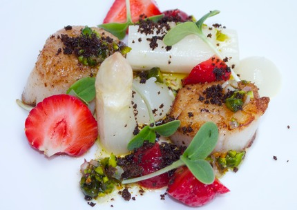 Fry scallops, white asparagus & pure, fresh strawberry, pistachio nuts, chop shallots, brown butter and vadouvan vinaigrette, pluck borage cress.